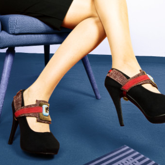 bodyfurnitures shoe jewellery, shooting in bolzano, italy by waldemar kerschbaumer, adpassion, one-of-a-kind jewelry piece