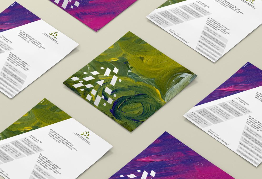 Akademie für sexuelle Bildung Südtirol: Flyer mit 2 Farbvarianten (grün/violett) von Acrylmalereien um die eigenen Leistungen zu bewerben. Design und Malerei von Waldemar Kerschbaumer, adpassion Werbeagentur Bozen, Südtirol